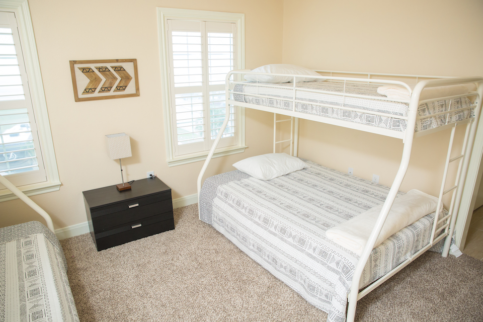 Sunny Smile vacation house bedroom bunk beds in Galveston RV park
