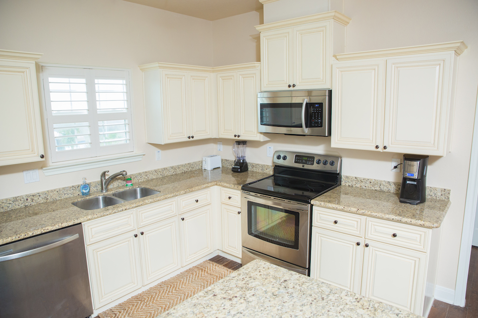Sunny Smile vacation house kitchen in Galveston RV park